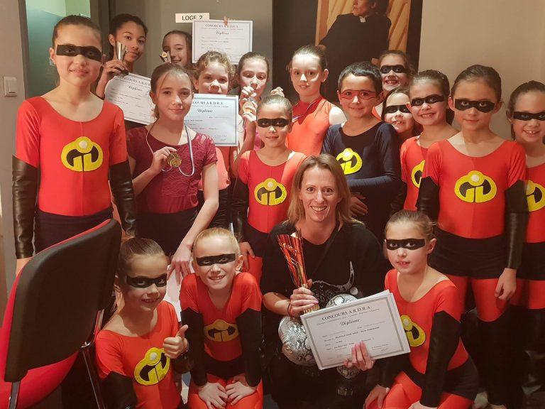Groupe de danseurs en compétition avec Belleville Show Dance